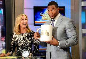 Video: Michael Strahan Gets Red Carpet Treatment on 'GMA' Debut