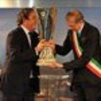 Turin receives UEFA Europa League trophy